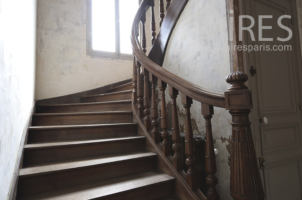 Solid wood staircase. c0963