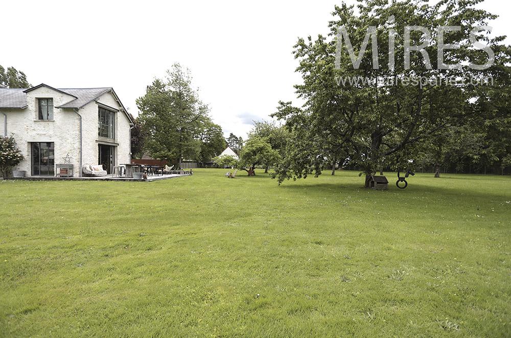 Large garden. C1410