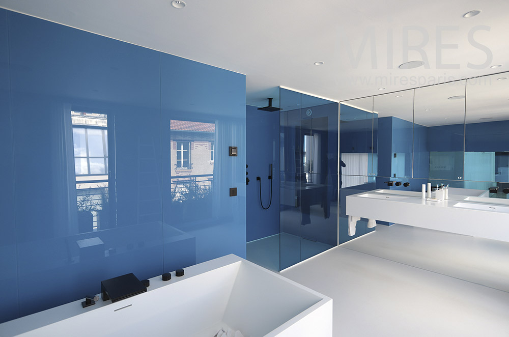 Modern baths, blue and white. C1710