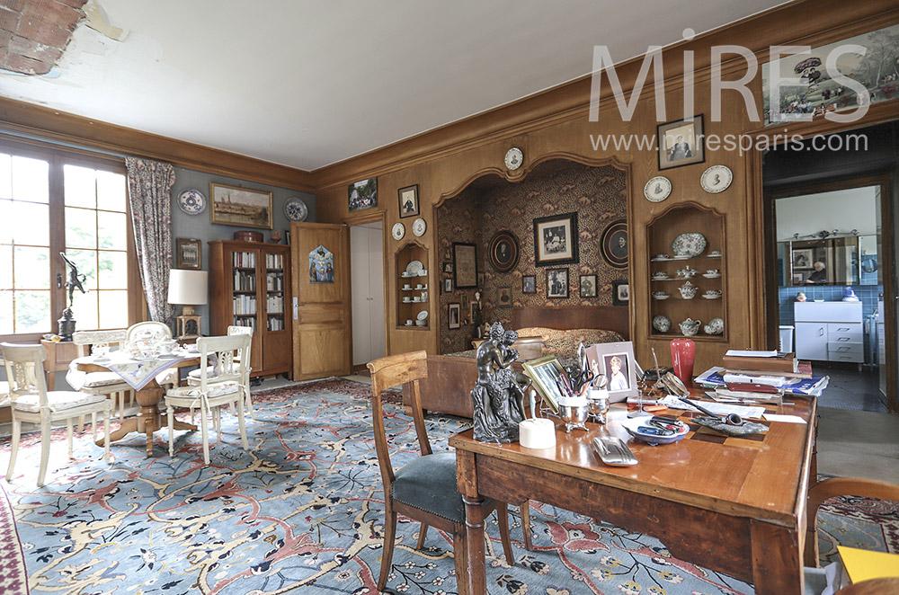 Classic office. c1712