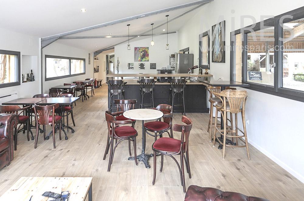 Cafétéria de club hippique. C1713