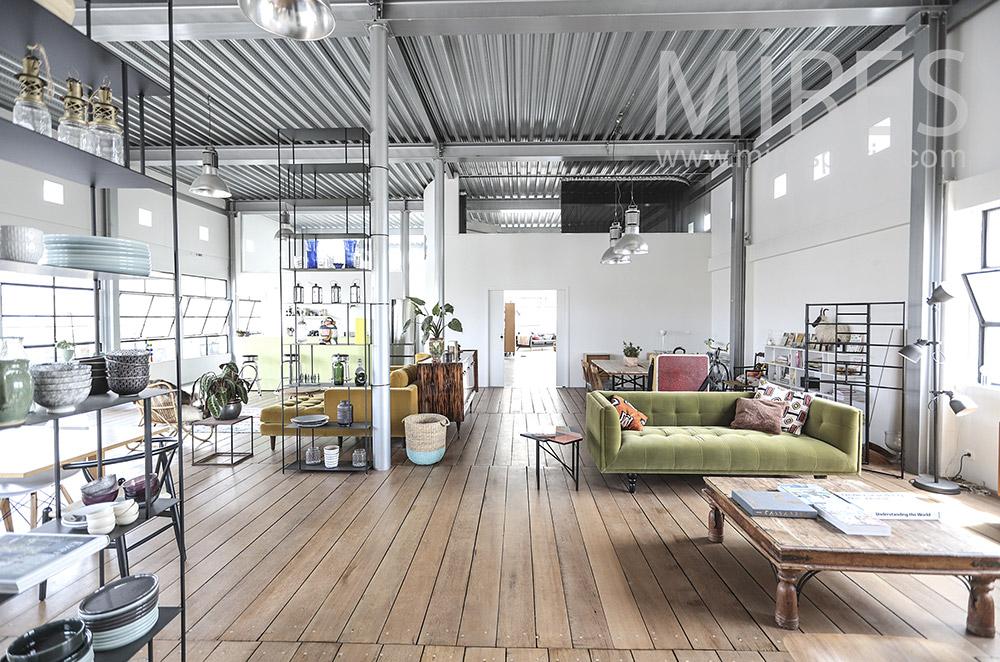 Open living room. C1731