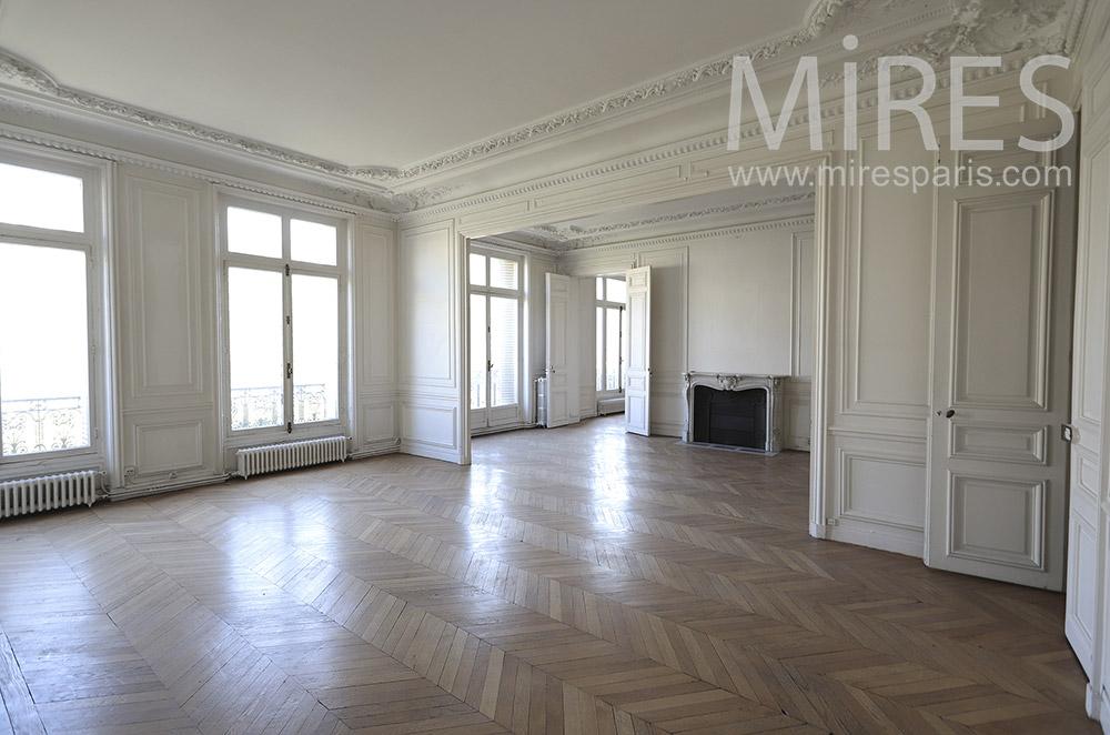 Appartement haussmannien vide. C1752