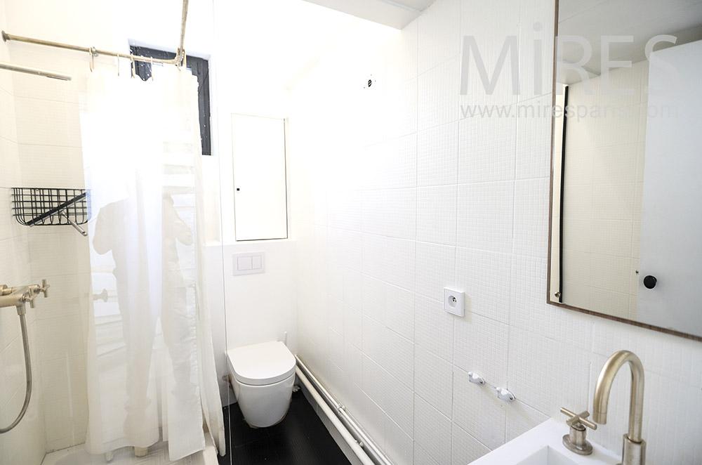 Salle de bains. C1725