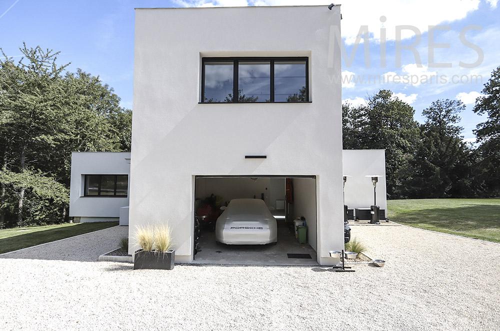 Modern garage. C1741