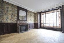 Salle de bains ouverte sur salon. C1754 | Mires Paris