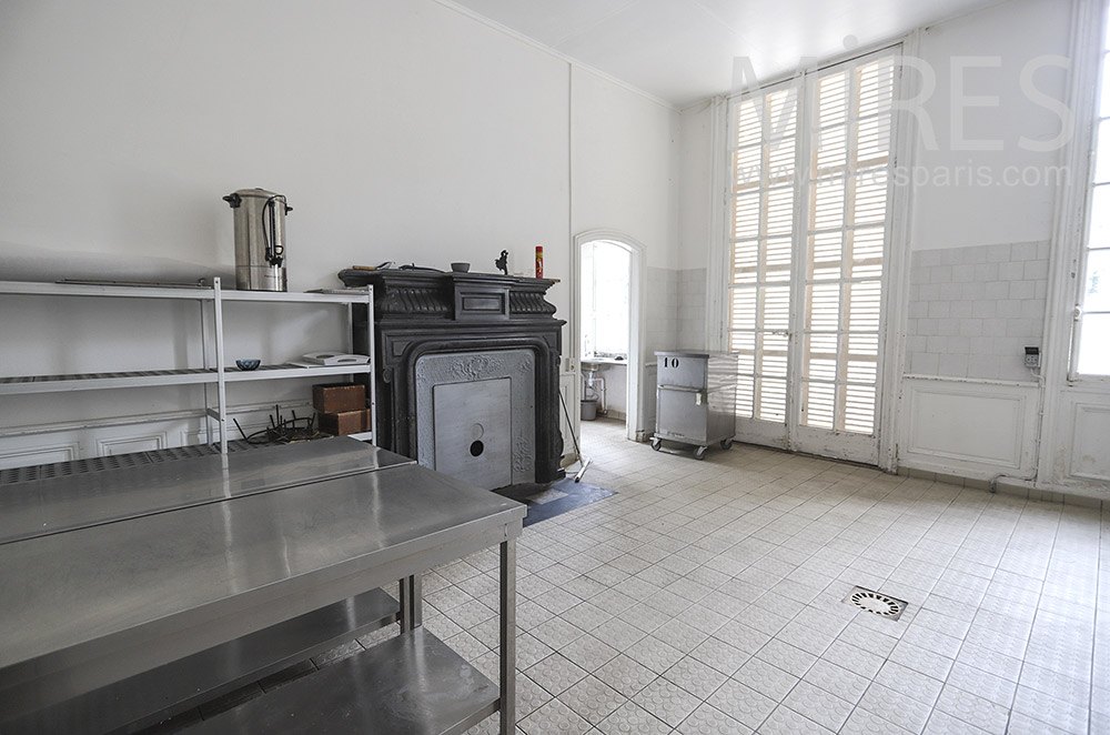 Catering service room. C0205