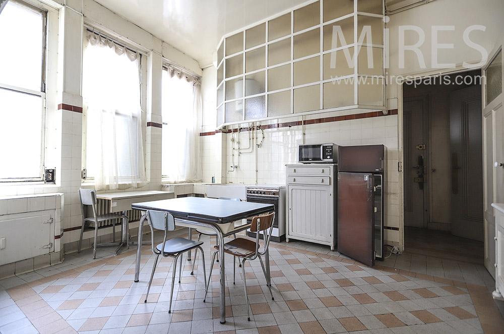 Vintage kitchen. C1300