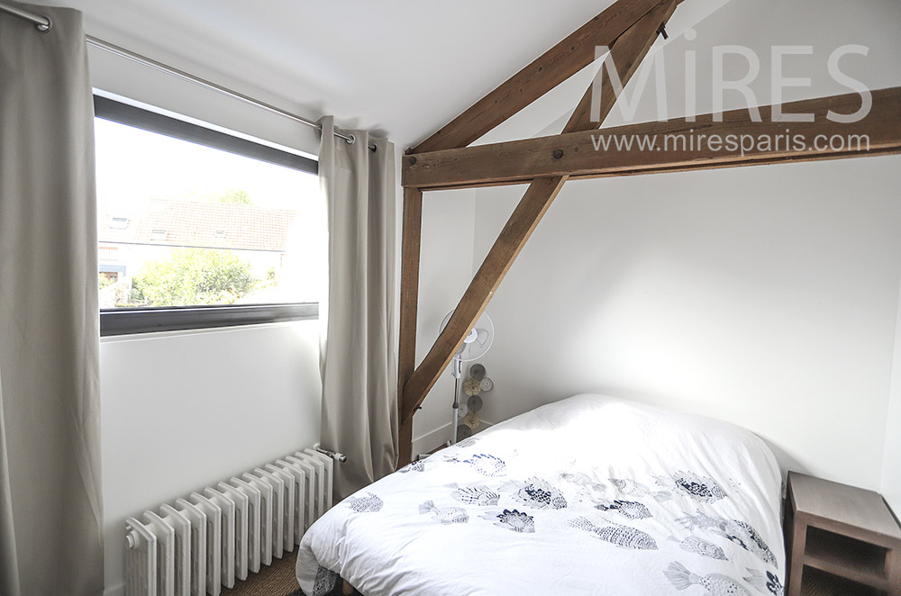 White room and old beams. C1762