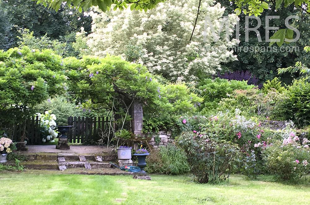 Jardin fleuri. C1764