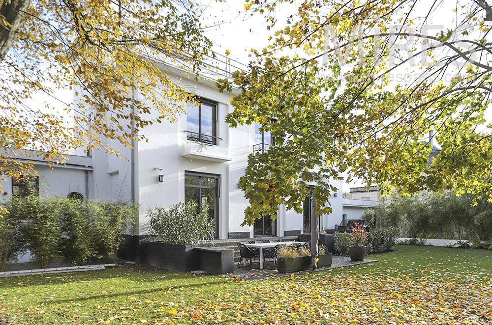 Modern family house. C1775