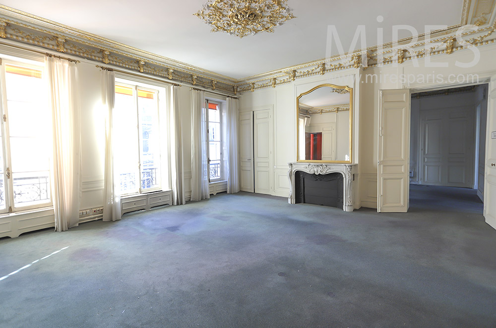 Empty parisian apartment. C1783