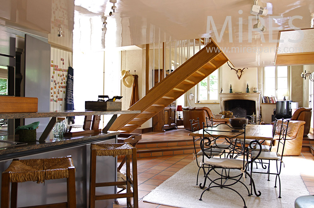 Country living room. C0071