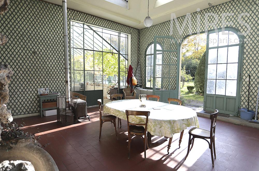 Summer dining room. C0419