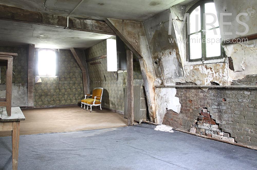 Large attic. C0712