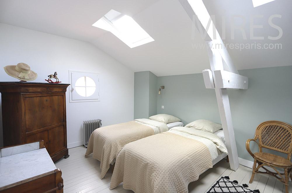 Chambre double avec douche. C1774