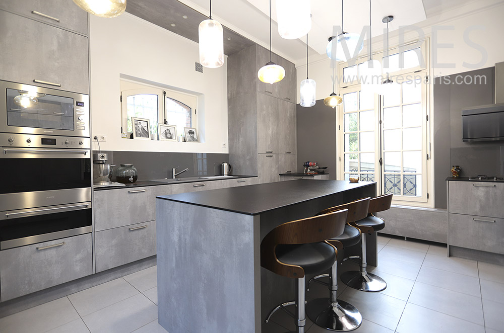 Gray design kitchen. C0472