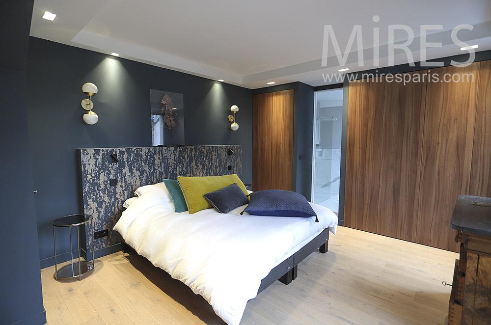 Chambre avec bains. C1784