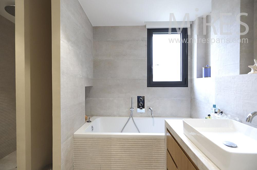 Salle de bains. C1784