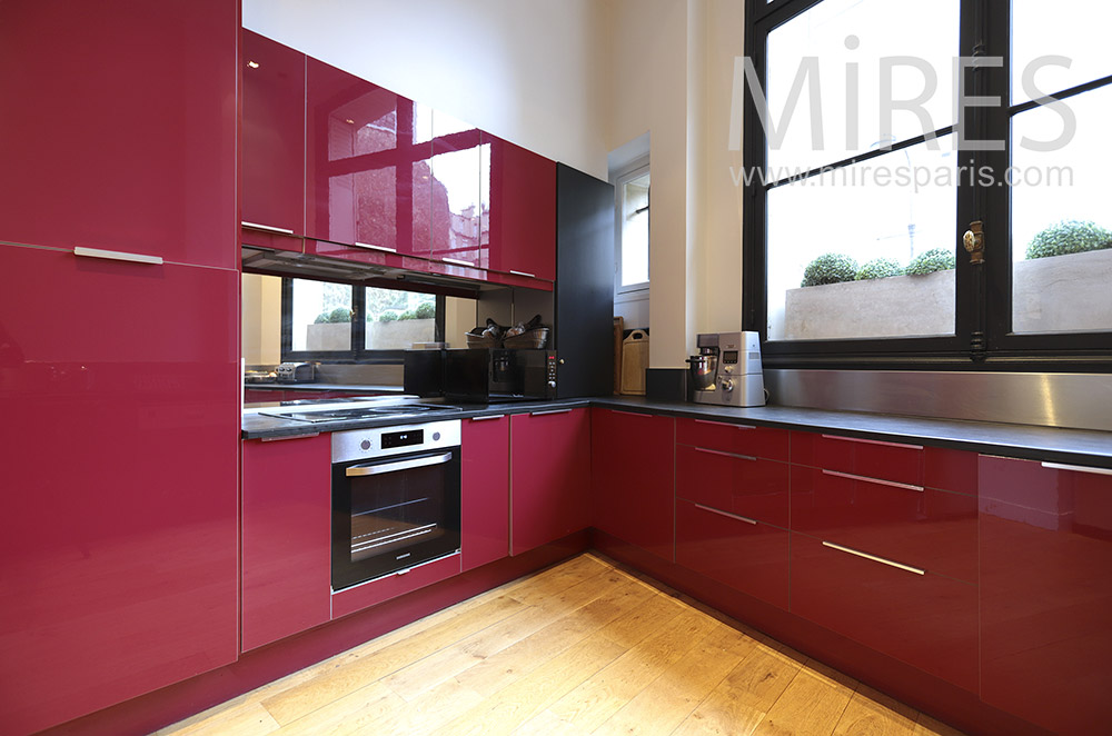 Red modern kitchen. C1785