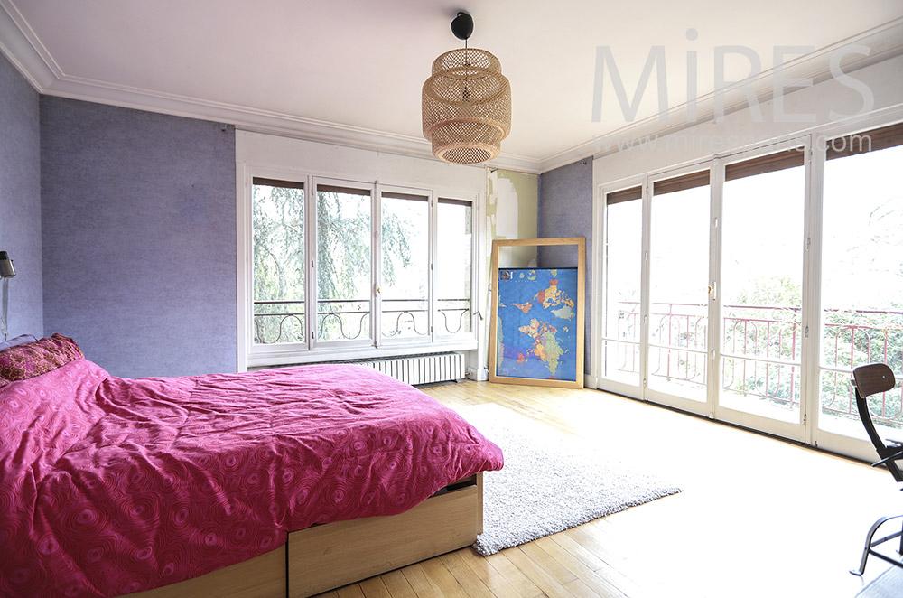 Grande chambre avec balcon. C1798