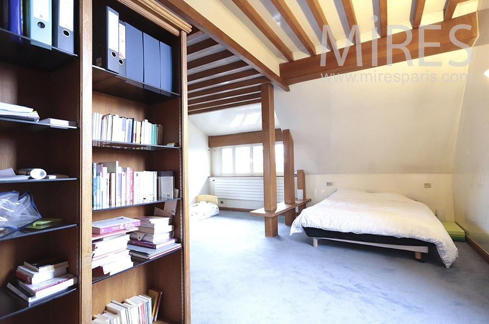 Chambre avec poutres. C1798