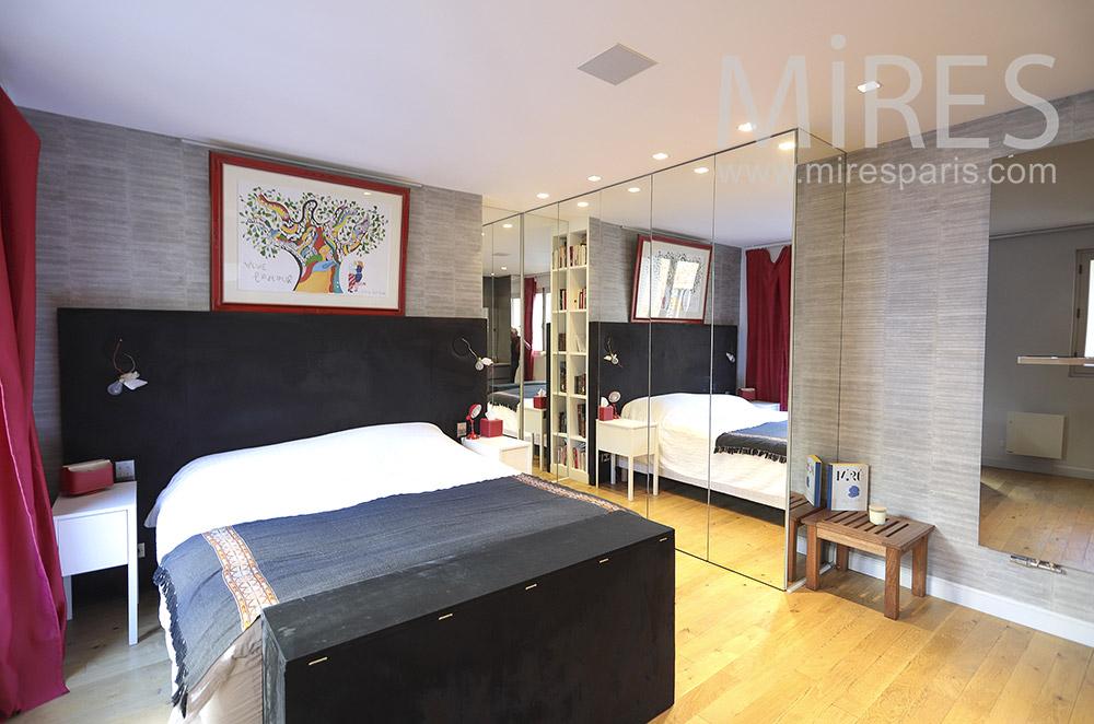 Chambre avec bains et dressing. C1800