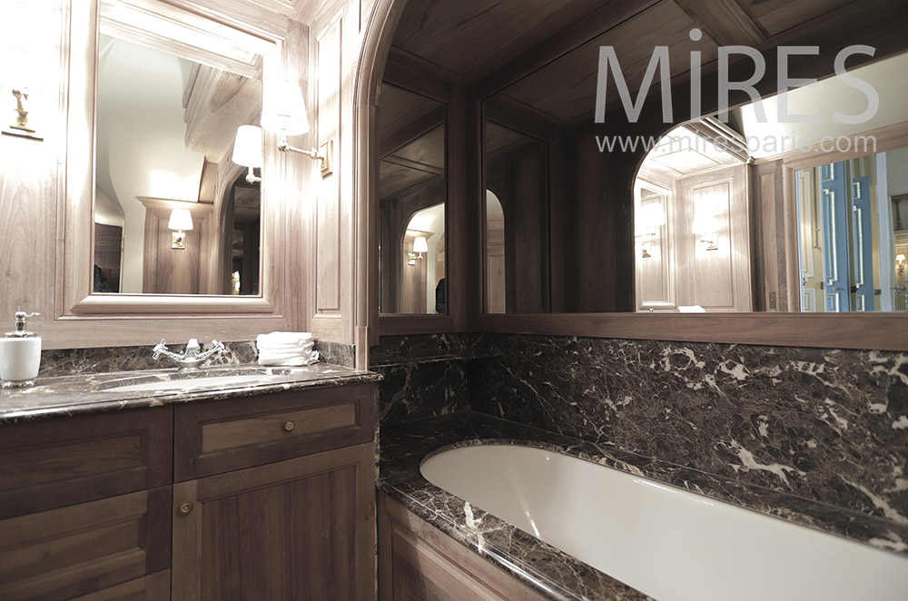 Bains, marbre et bois. C1808