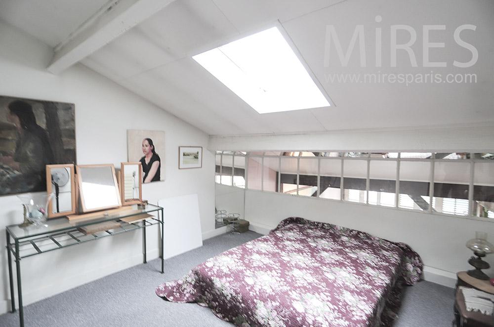 Chambre, fenêtre de toit. C1809