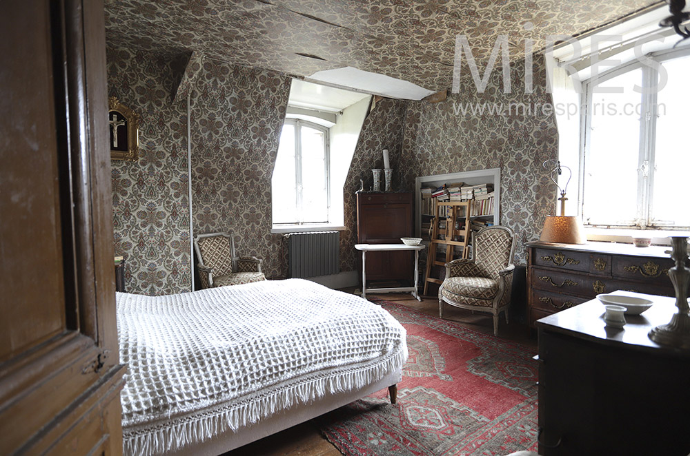 Bedroom, wallpaper. C1658