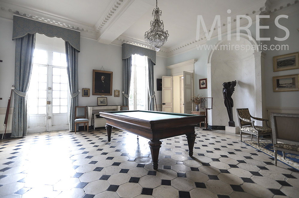 Large billiard room. C1819