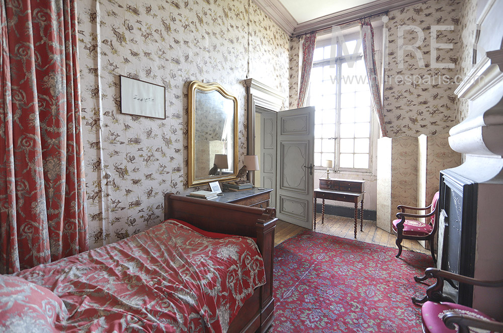 Red room. C1819