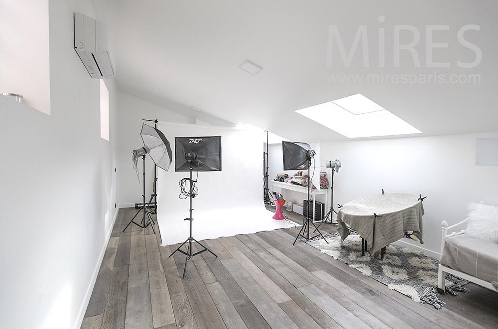 Studio photo. C1823