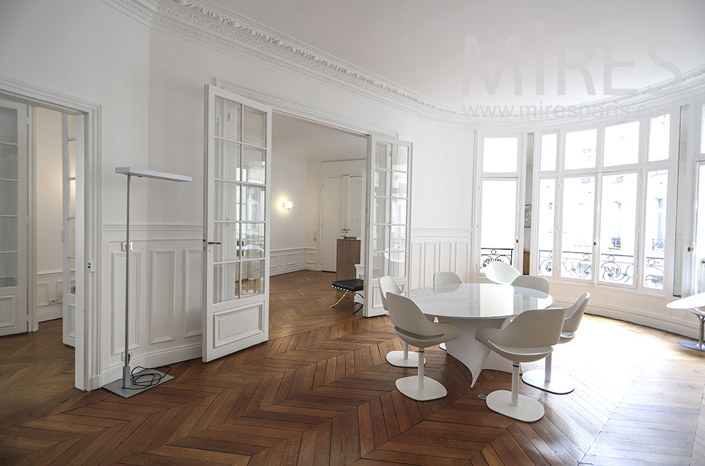Haussmannian office apartment. C1835