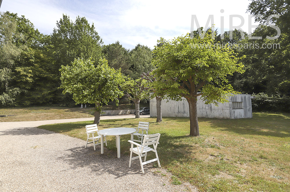 Garden table. C1451