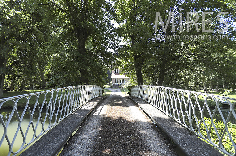 Pont sous les arbres. C1805