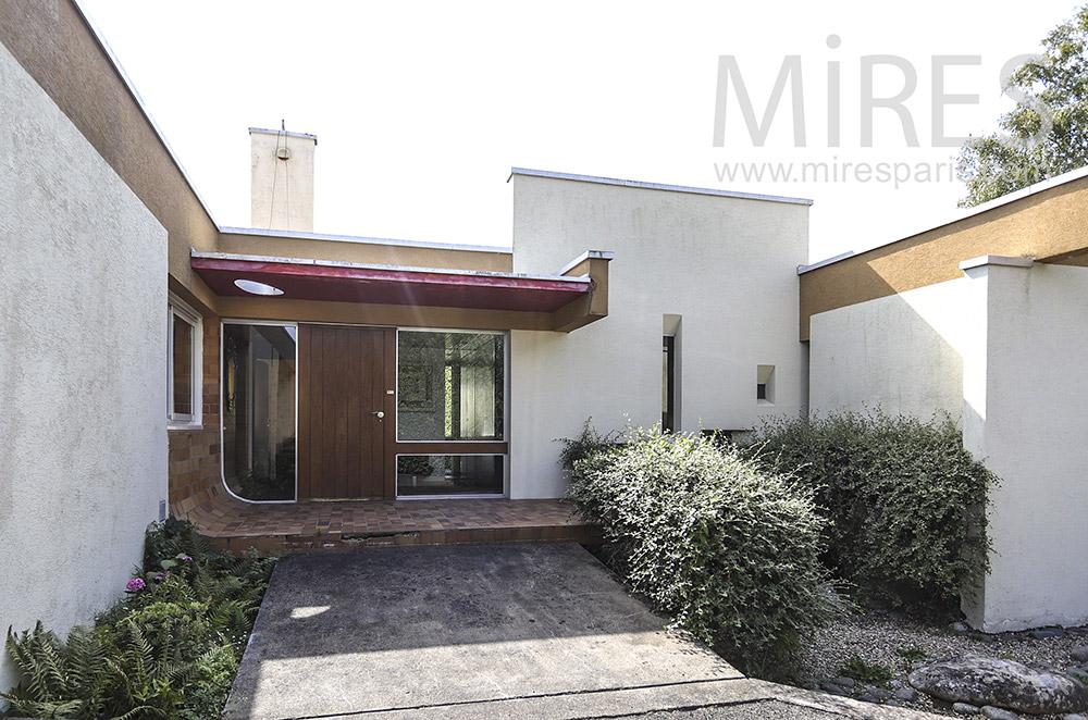 Modern entrance. C1852