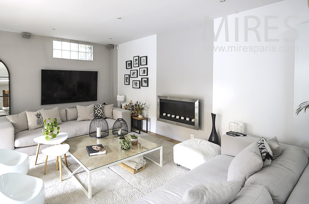Beautiful modern white living room. C1856