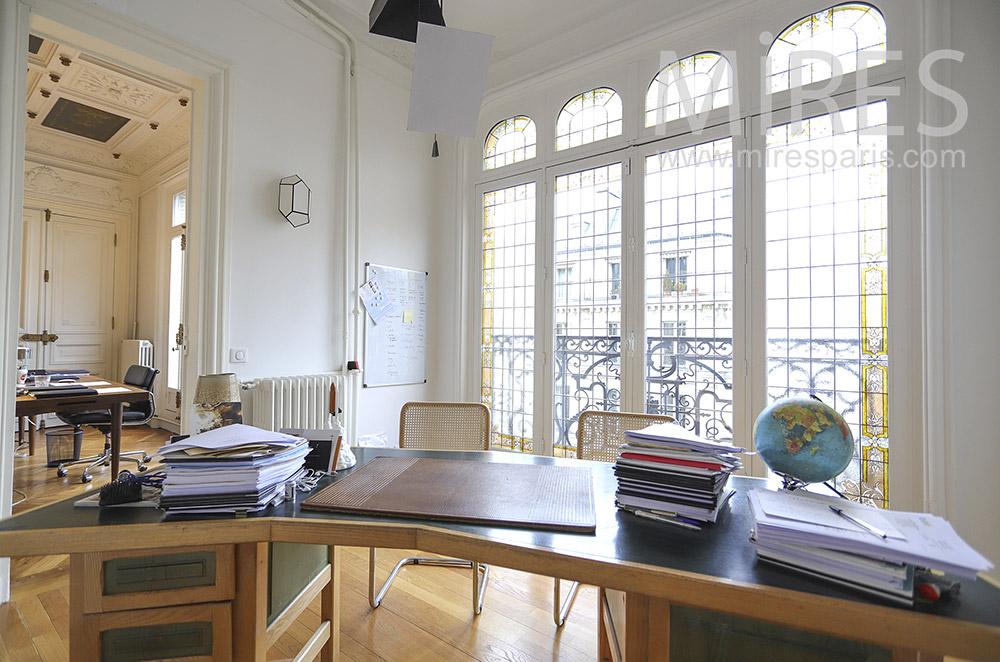 Beaux bureaux haussmanniens. C1898