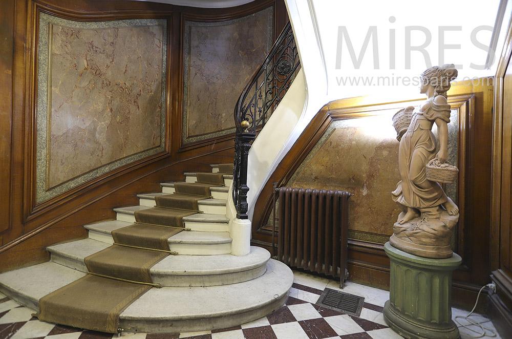 Escalier de marbre. C1898