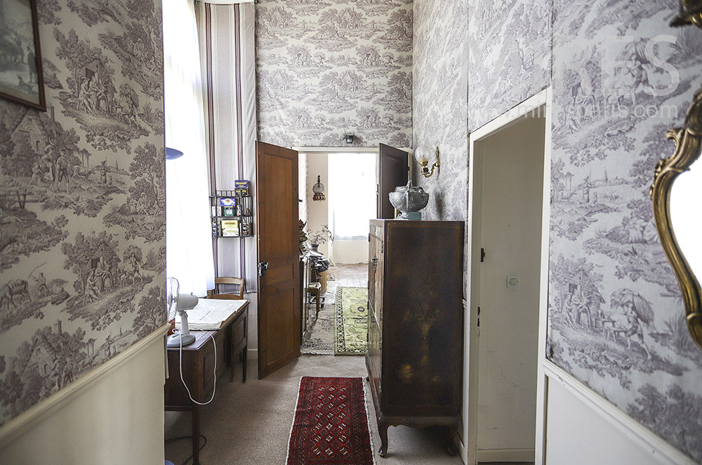 Hallways and wallpaper. C1905