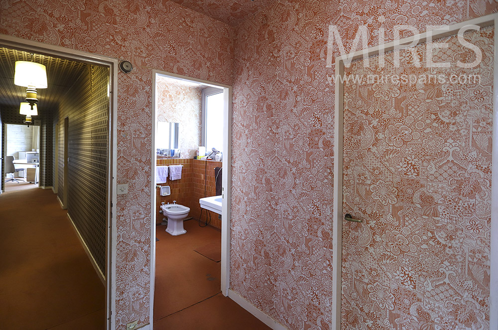 Wallpaper bathroom. C1528