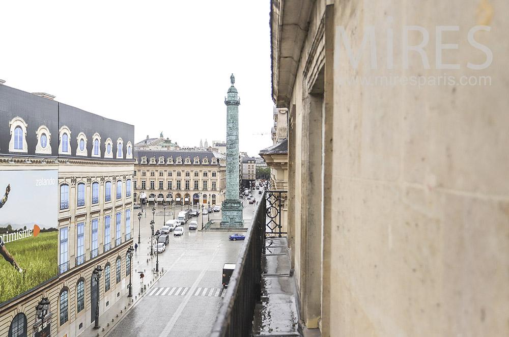 Balcon sur place Vendôme. C1925