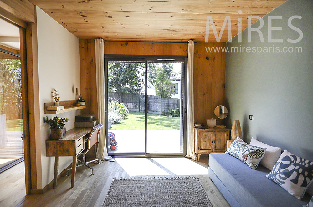 Bureau et sofa avec sauna. C1929