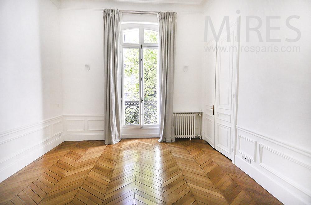 Chambre, beau parquet. C1935