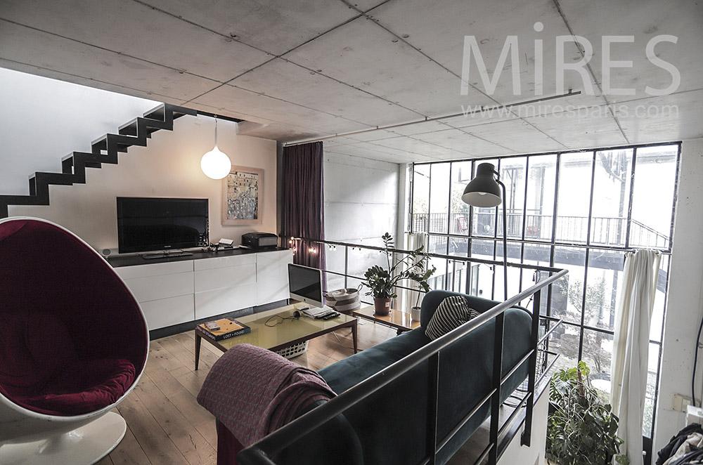 Salon TV en mezzanine. C1938